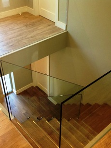 uploads/projects/52/Steel Spine Stairs Ennis 2.jpg