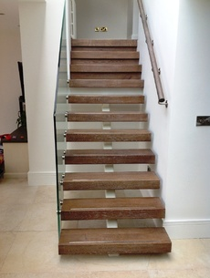 uploads/projects/43/Ivory Steel spine stairs Rathgar Dublin.jpeg